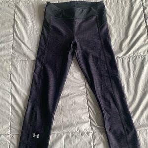 NWOT UA 3/4 legging Capri's XS black and purple